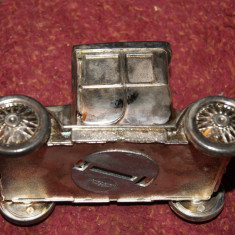 Mașinuță din metal