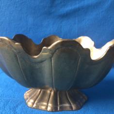 Fructiera veche englezeasca,din bronz masiv