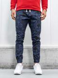 Cumpara ieftin Pantaloni joggers bărbați camuflaj-bleumarin Bolf 0367