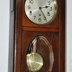 Ceas de perete cu pendula Swiss Made, rar