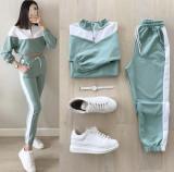 Trening dama lung verde cu alb cu pantaloni lungi si bluza cu maneca lunga fashion