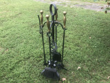 Set de unelte pentru semineu pe suport,din fier forjat