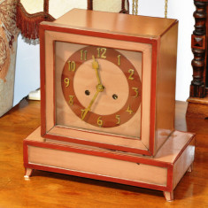 Ceas de semineu cu pendul Art Deco