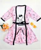 Cumpara ieftin Set pijama dama 3 piese alcatuit din maieu + pantaloni scurti + halat roz cu imprimeu SY