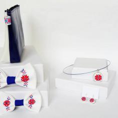 Set accesorii traditionale de familie, motiv Colul Morii
