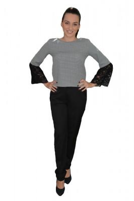 Costum de ocazie cu pantalon negru si bluza pepit cu dantela foto