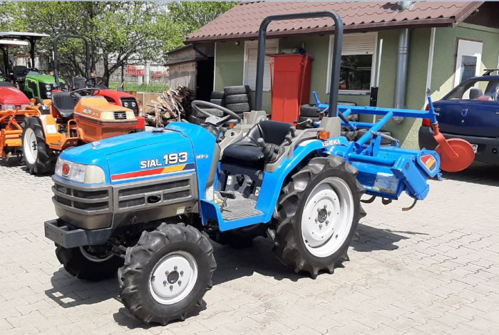 Tractor,Tractoras,tractor mic japonez 4x4 , 19 CP