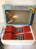 T- jucarie vintage set telefoane GEOBRA, 23x15 cm, 1983