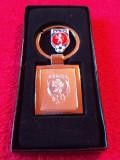 Breloc metalic fotbal si insigna - Asociatia de Fotbal din Republica CEHA