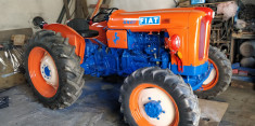 Tractor Agricol foto