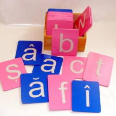 Litere mici Arial din glasspapier, Montessori