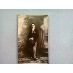 FOTOGRAFIE TIP CARTE POSTALA, BARBAT ANUL 1928, REALIZATA IN BUCURESTI