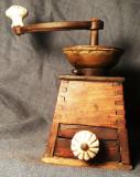 Cumpara ieftin Rasnita veche bidermayer - obiect decorativ