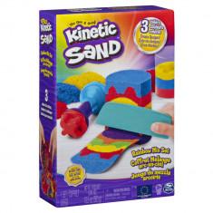 Set Kinetic Sand curcubeu cu accesorii