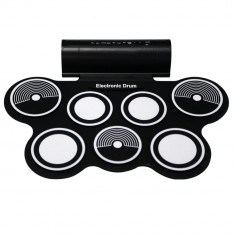 Sistem cu 7 tobe electronice, boxe incorporate, pedale, melodii demo, functie inregistrare