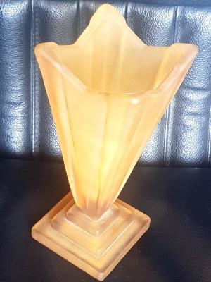 Vaza sticla chihlimbar vintage - interbelica - antica - colectie foto