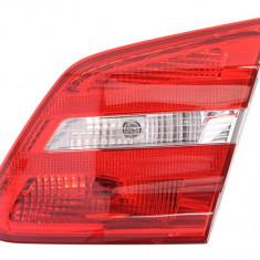 Stop tripla lampa spate dreapta (interior semnalizator alb culoare sticla: rosu) MERCEDES Clasa B 2011 2014