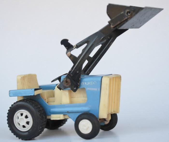 Jucarie veche tabla, tractor incarcator frontal MUKPO - Bulgaria