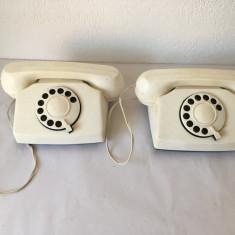 T- 2 Telefoane de jucarie vechi, vintage, Pecnpom 1985, URSS sau Bulgaria
