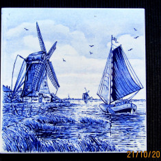 Placa ceramica Delft blue tile, anii 1960-1970 W. Germany. D 15cm.