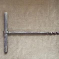 BURGHIU SPIRAL MANUAL PENTRU LEMN , 14 mm si 18 mm