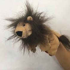 Marioneta teatru de papusi, papusa manuala tip manusa, leu