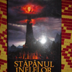 Tolkien stapanul inelelor  intoarcerea regelui 665pagini/cartonata