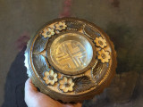 Arta si Design - Scrumiera deosebita din lemn sculptat si sticla !