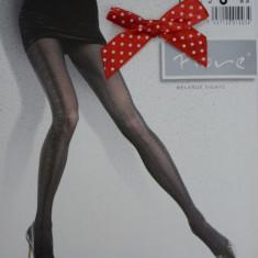Ciorap de dama de nuanta neagra cu model si aspect lucios