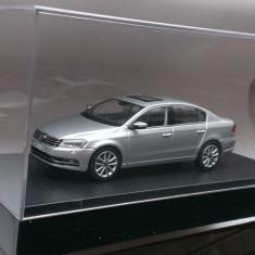 Macheta Volkswagen VW Passat B7 silver - Schuco 1/43