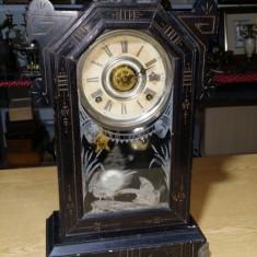 Ceas de semineu vechi Gilbert