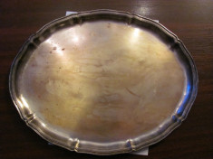 Tava veche ovala alama argintata / d: 40 cm & 31,50 cm  / h: 2,50 cm / nemarcata foto