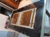 Masa din rășină epoxidica sculptata