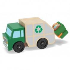Masina de gunoi din lemn