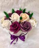 Cumpara ieftin Aranjament 17 fire trandafiri de sapun