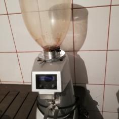 Mașina de măcinat cafea Fiorenzato F64