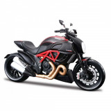 Motocicleta Maisto Ducati Diavel Carbon, 1:12