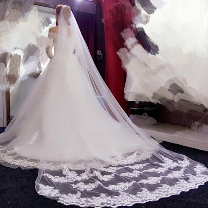 Voal de mireasa cu pieptan superb lungime 3 m alb   nou model deosebit