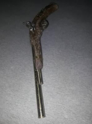 Pistol de epoca,pistol antic de panoplie cu teava lisa,lemn/alama,pistol decorat foto