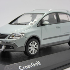 Macheta Volkswagen Cross Golf Minichamps 1:43