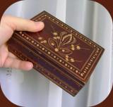 Caseta pentru bijuterii din lemn sculptat_artizanat