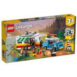 LEGO Creator Vacanta in familie cu rulota No. 31108