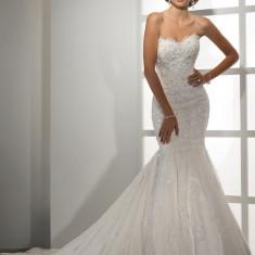 Rochie de mireasa tip sirena