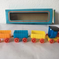 Trenulet Sonni jucarie veche plastic RDG Germania de Est, in cutie, colectie