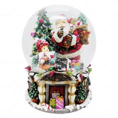 Glob de sticla cu zapada artificiala, 20 cm, figurina Mos Craciun