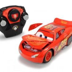Masinuta cu telecomanda Lightning McQueen Crazy Crash Cars 3