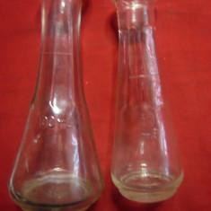 2 Sticlute vechi pt tuica cu marcaj de volum : 50ml si 100ml