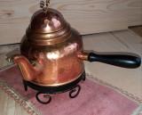 Ceainic din cupru.