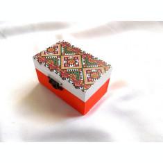cutie cu motiv traditional 33668