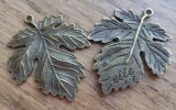 Pandantiv bronz, frunza de vita-de-vie/ strugure